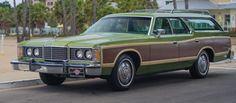 Low+mile+long+roof+–+1,400+mile+1974+Ford+LTD+Country+Squire+sells+for+$42,900+in+California