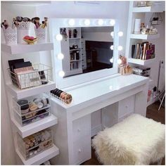 PAYDAY Up to discount Why not give yourself or your loved one a treat? - Wohnaccessoires - Your HairStyle Bedroom Decor For Teen Girls, Diy Home Decor Bedroom, Girl Bedroom Designs, Room Ideas Bedroom, Small Room Decor, Cute Room Decor, Makeup Room Decor, Makeup Rooms, Sala Glam