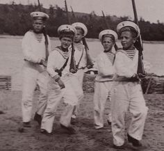 Alexsei with Kolya Derevenko , Alexander Derevenko , Sergei Derevenko , Zhenya Makarov , Vasya Agayev . I'm not sure which is who - If you do , pls contact me.