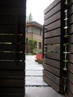 modern gate / http://www.houzz.com/modern-gate/p/312