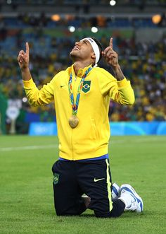 Rio 2016 Pictures and Photos Brazil Football Team, Football Final, Men's Football, Football Players, Neymar Jr, Rio 2016 Pictures, Love Of My Live, Soccer Inspiration, Man Of The Match