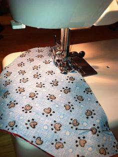 How to make a bandana. Reversible Over The Collar Dog Bandana - Step 7