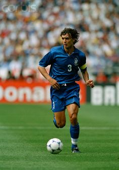 Paolo Maldini (Italy) in action during a quarter-finals match of the 1998 FIFA World Cup against France. France won after overtime and point shoot out. World Best Football Player, World Football, Soccer Players, Arsenal Football, Football Kits, Football Soccer, Soccer Stars, Sports Stars, Turin