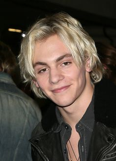 ross lynch with a camera | 83rd Annual Hollywood Christmas Parade