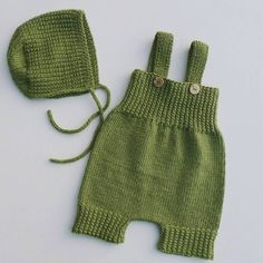 Baby knitting models are not distinguished from machine making easy hobbies check more at h. Baby Knitting Patterns, Baby Hats Knitting, Baby Patterns, Free Knitting, Baby Overalls, Baby Pants, Baby Pullover, Romper Pattern, Diy Baby Gifts