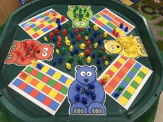 EYFS Maths Teddy bear pattern making