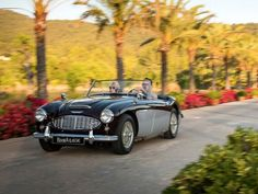 So you've done it, saved up and managed to book that dream holiday. Wouldn't it be so much better to avoid having to take public transport and book a vintage car that will make your trip even more memorable! #BookAclassic #classiccar #carlovers #lovecars #luxurycars #supercars #weddingcar #vintagecar #oldtimer #youngtimer #prewarcar #wedding #AustinHealey #travel #holiday