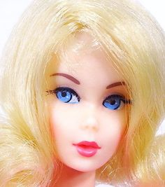 Amazing-Vintage-Blonde-Twist-039-N-Turn-Flip-Barbie-Doll-MINT