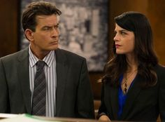 """Charlie Sheen and Selma Blair """"Anger Management""""  Celebrity Co-stars Who Hated Each Other • Page 5 of 5 • BoredBug"""