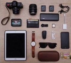 Hobbyist Photographer - Things I carry when I go for photos around Canon Dslr Camera, Camera Gear, Dslr Cameras, What In My Bag, What's In Your Bag, Cheap Sports Cars, Minis, Flash Memory Card, Tac Gear