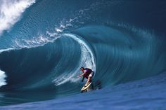 Laird Hamilton riding Teahupo'o in Tahiti also my hero, fearless. Surf Movies, Big Wave Surfing, Surfer Magazine, Sup Surf, Big Waves, Ocean Waves, Wakeboarding, Windsurfing, Surfs Up