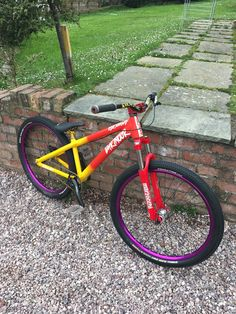 in Stoke on Trent, United Kingdom - photo by mattlovecycling - Pinkbike Downhill Bike, Mtb Bike, Bmx Bikes, Cool Bikes, Women's Cycling Jersey, Cycling Art, Cycling Quotes, Cycling Jerseys, All Mountain Bike