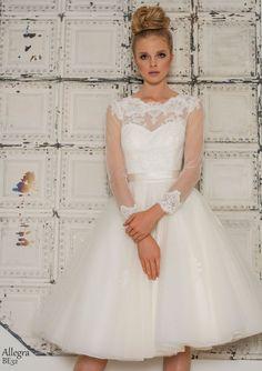 Manica lunga Vestito da ballo Tulle Abito da sposa con sciarpa
