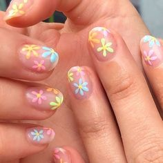 🌸🌼 Hand painted flowers by WAH gal 🌼🌸 Book your next appointment with Anouska through the link in our bio 📲 Aycrlic Nails, Swag Nails, Hair And Nails, Bling Nails, Coffin Nails, Nagellack Design, Nagellack Trends, Summer Acrylic Nails, Best Acrylic Nails