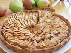 טארט תפוחים בקרם שקדים  + עוגיות שוקולד צ'יפס + מאפינס וניל טבעוניים