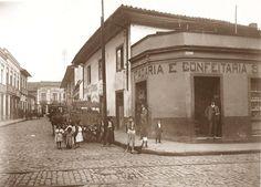 1905 - Rua Santa Tereza na região da Sé - São Paulo, Brazil
