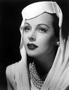 Hedy Lamarr was an Austrian-born American actress and inventor. After an early film career in Germany, Lamarr moved to Hollywood at the initiation of MGM head, Louis B. Old Hollywood Glamour, Golden Age Of Hollywood, Vintage Hollywood, Hollywood Stars, Classic Hollywood, Hollywood Divas, Hollywood Photo, Hollywood Icons, Classic Movie Stars