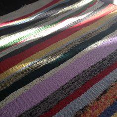 Írtam már itt a blogban, hogy a varrás mellet szőni is nagyon szeretek. Ez a tevékenységem akkor teljesedett ki igazán, mikor kaptam egy szövőállványt (addig csak keretem volt). A fonal az kinőtt, … Handmade Rugs, Weaving, Marvel, Blanket, Crochet, Blog, Chrochet, Knitting, Rug