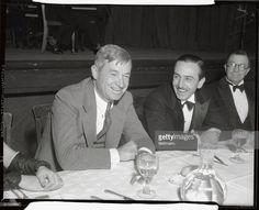 Foto di attualità : Will Rogers and Walt Disney enjoy a good laugh as...
