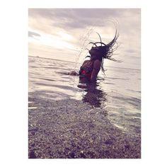 La vie est trop courte pour passer à la regretter!   Merci mon cœur pour la photo  @tehmaano  #instapic #picoftheday #instabeach #instachile #withmyboo #beach #beachday #playa #plage #plage46 #plagedesfilaos #974 #97436 #team974 #reunionisland #lareunion #onelife #chilling #chillingday #holidays #summerholiday #jmoins1  by nabilakamilaa