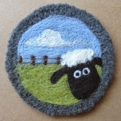 Wool Needle Felting, Needle Felting Tutorials, Needle Felted Animals, Sheep Crafts, Felt Crafts, Felt Ornaments Patterns, Pull Crochet, Felted Soap, Felt Coasters