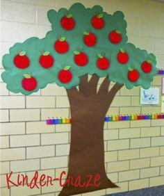 34 Ideas Apple Tree Crafts Preschool Paper Plates For 2019 Paper Tree Classroom, Apple Classroom, Classroom Art Projects, Art Classroom, Classroom Ideas, Classroom Activities, Classroom Organisation, Children Activities, Class Activities