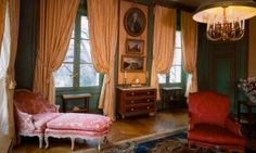 Sitting room with furniture from the second half of the 18th century (Musée Nissim de Camondo, Paris)