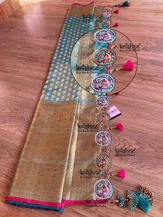 Saree Kuchu New Designs, Saree Tassels Designs, Wedding Saree Blouse Designs, Saree Blouse Neck Designs, Saree Embroidery Design, Border Embroidery Designs, Hand Embroidery, Bridal Silk Saree, Silk Sarees