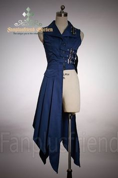 Steampunk coat, could be awesome to use for a Ciel Phantomhive cosplay. Steampunk version that is Look Fashion, Fashion Outfits, Fashion Design, Gothic Fashion, Modern Steampunk Fashion, 50 Fashion, Fashion Styles, Fashion Clothes, Steampunk Costume