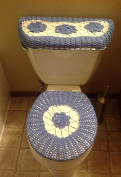 Crochet toilet seat cover and tank Toilet  crochet Pinterest Seat covers