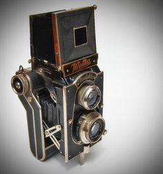 Welta Perfekta Folding Camera by Inspiredphotos, Antique Cameras, Vintage Cameras, Camera Photos, Folding Camera, Photo Deco, Classic Camera, Retro Camera, Photography Camera, Pregnancy Photography