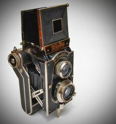 Welta Perfekta Folding Camera by Inspiredphotos, via Flickr