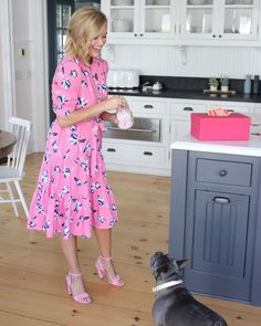 Spring Dresses, Day Dresses, Pink Outfits, Summer Outfits, Reese Witherspoon Hair, Reese Witherspoon Legally Blonde, American Eagle Outfits, Elle Woods, Draper James