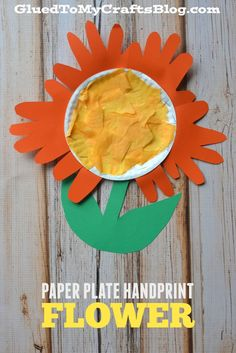 Paper Plate Handprint Flower {Kid Craft}
