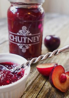 Ginger Plum Chutney 12 red plums fresh ginger peeled and grated ½ tsp vanilla extract 1 chopped red chilli water granulated sugar Plum Chutney, Ginger Chutney, Canning Recipes, Gourmet Recipes, Jelly Recipes, Fruit Sec, Red Plum, Scottish Recipes, Chutney Recipes
