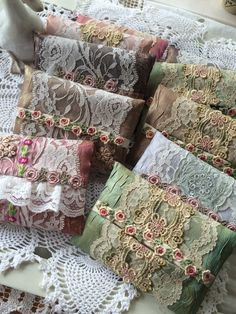 These little envelopes would be lovely made from bits of vintage fabric and lace. Depending on their size, use them for sachets, as glasses cases, or coin purses. Fabric Art, Fabric Crafts, Sewing Crafts, Sewing Projects, Shabby Chic Crafts, Vintage Crafts, Crazy Quilting, Lace Bag, Linens And Lace
