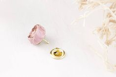 Ceramic Rose Pin, Ceramic gold Pin, Pink Jacket Pin, Ceramic Brooch Pin, Pink Gold Accessory, ceramic flower, Pink Flower, Flower Accessory  An original, one of a kind, handmade accessory.  All jewellery comes in gift boxes with my logo. I can pack it for you as you wish, for the special occasion. (the example is shown in the pictures).  Check out more of my work on Facebook and like my page! https://www.facebook.com/aistenavasaitienejewelry