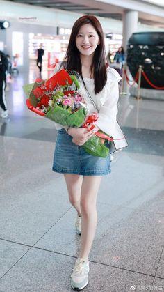 Uzzlang Girl, Chinese Actress, Sexy Asian Girls, Korean Beauty, Fasion, Ulzzang, Denim Skirt, Kdrama, Cute Girls