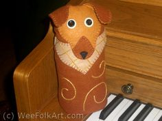 Puppy Dog Doorstop Directions | Wee Folk Art. Tutorial to make a really sweet doggy doorstop.