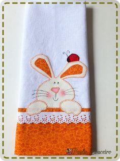 Easter! http://artesdepaulalouceiro.blogspot.com.br/2012/03/mais-paninhos-de-pascoa.html