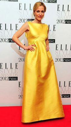 The beautiful Gillian Anderson in WilliamVintage 1965 Sarmi with Adler yellow diamonds at the Elle Style Awards 2012. #vintage #fashion #redcarpet