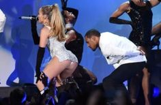 "JLO! Twerking ""Booty"" at the Fashion Rocks Show 2014! (video) : Old School Hip Hop Radio Station, Online Radio Station, News And Gossip"