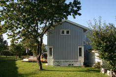 Tilbygg på ende / Landsbyarkitekten Shed, Outdoor Structures, House, Home, Homes, Barns, Sheds, Houses