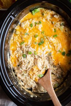 Slow Cooker Green Chile Chicken and Rice Casserole - Crockpot recipes - Chicken Crock Pot Slow Cooker, Crock Pot Cooking, Slow Cooker Recipes, Crockpot Recipes, Cooking Recipes, Hamburger Crockpot Meals, Healthy Soup Recipes, Mexican Food Recipes, Dinner Recipes