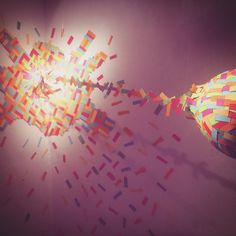Vómito 3 #windowdisplay #escaparate #artidirrss #confetti #knk