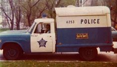 An old 1960 Chicago Patty wagon (police transport vehicle). Chicago Police Officer, Police Truck, Police Cars, Police Patrol, Police Vehicles, Chicago City, Chicago Style, Chicago Illinois, Chicago Transit Authority