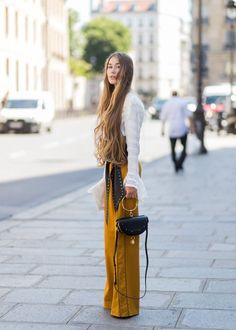 You're+Going+to+Want+to+Take+a+Minute+to+Enjoy+the+Street+Style+in+Paris+via+@WhoWhatWearAU