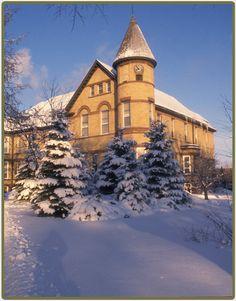 Old Main NDSU, North Dakota State University in Fargo ...