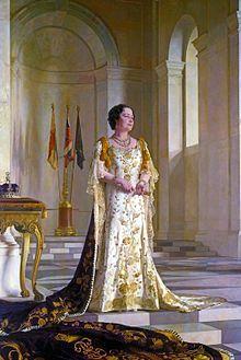 Queen Elisabeth im Krönungsornat