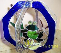 Frog In A Whirl- 3-Dimentional - Delphi Stained Glass
